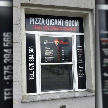 Reklama okienna pizzerii Białystok
